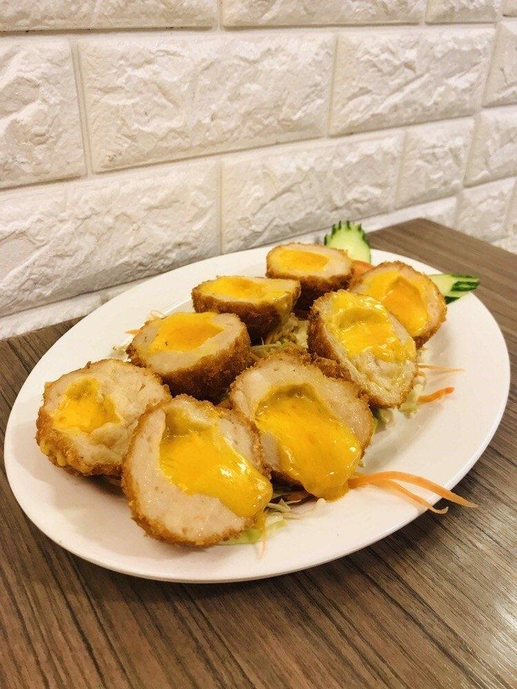九龙城美食/泰象馆/泰式炸虾饼的进化版,味道一流,虽然份量不算多,但炸物加芝士会有种邪恶感~~